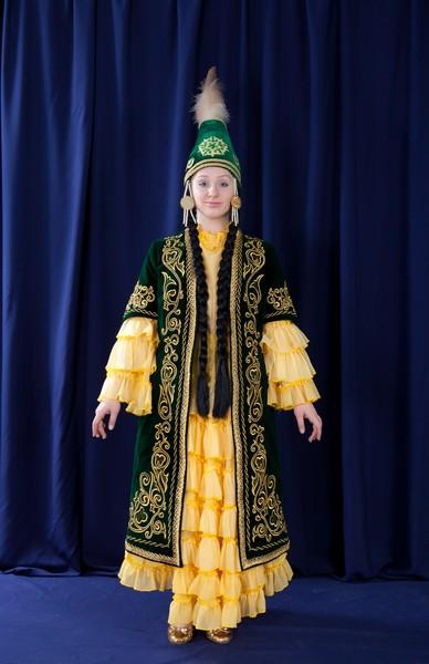 Фото женских национальных казахских костюмов